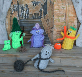 meet the ghostlys - Free Halloween Knitting Patterns